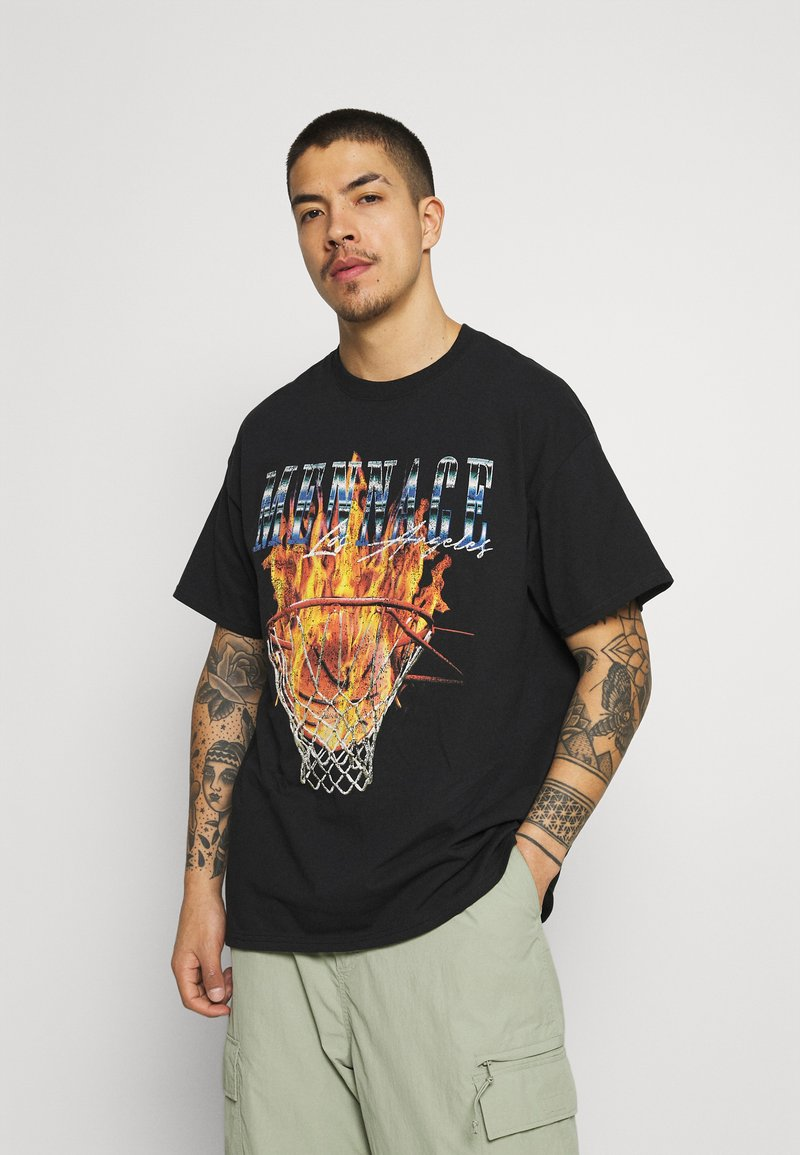 Mennace - BURNING HOOP - T-shirt con stampa - black