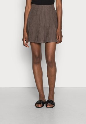 PLEATED STRUCTURE  - Mini skirt - dark brown