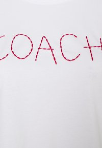 Coach - HAND DRAWN COACH TEE - Print T-shirt - optic white - 2