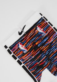 Nike Performance - NBA BROOKLYN NETS CITY EDITION CREW SOCK - Skarpety sportowe - white/black - 2