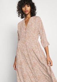 YAS - YASCORNA LONG DRESS - Skjortekjole - tawny brown - 3
