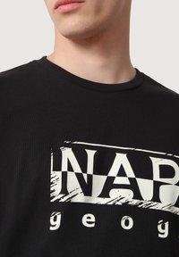 Napapijri - SILEI - T-shirt print - black - 3