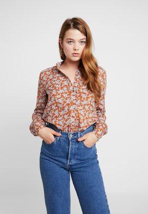YASCARLA - Camisa - bombay brown