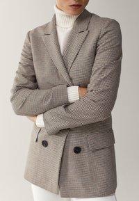 Massimo Dutti - MIT HAHNENTRITT - Korte frakker - beige - 4