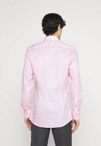 OLYMP No. Six - Formal shirt - rose - 2