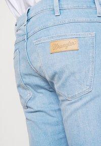 Wrangler - LARSTON - Jeans Skinny Fit - hot shot - 3