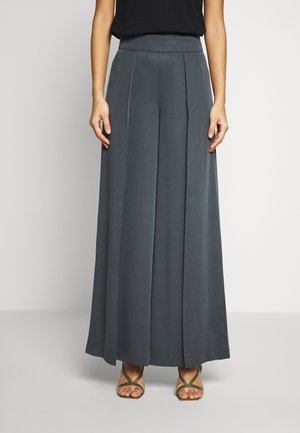WIDE LEG PLEAT PANT - Pantalones - orca