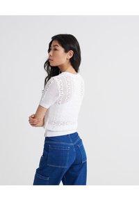 Superdry - BELLA POINTELLE - T-shirts print - chalk white - 2