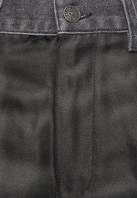 Diesel - P-BRADLEY-A - Jeans Tapered Fit - black - 2