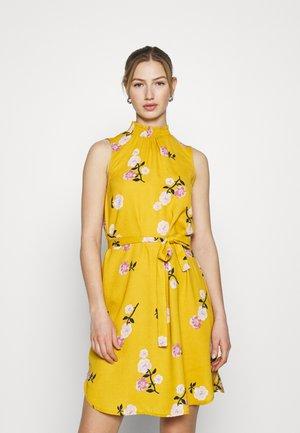 VMFALLIE SMOCK DRESS - Day dress - chai tea/newfallie