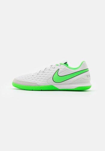 TIEMPO LEGEND 8 ACADEMY IC - Indoor football boots - platinum tint/rage green