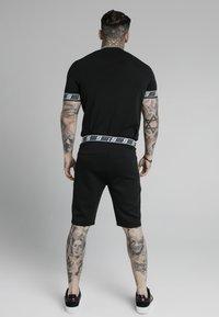 SIKSILK - EXHIBIT FUNCTION - Shorts - black - 2
