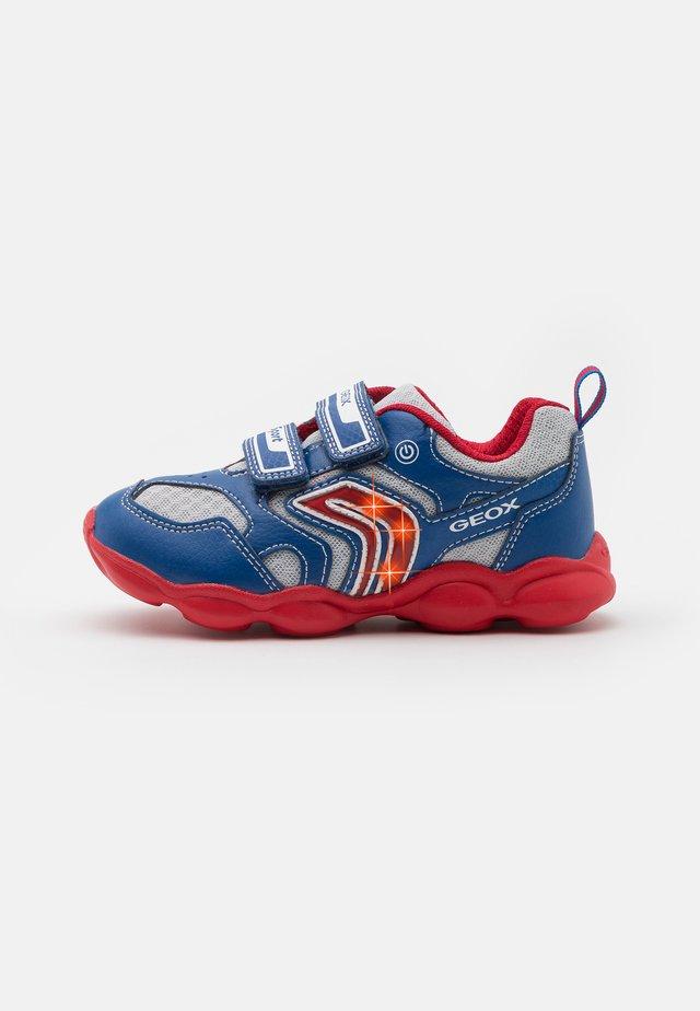 MUNFREY BOY - Sneakers basse - royal/red