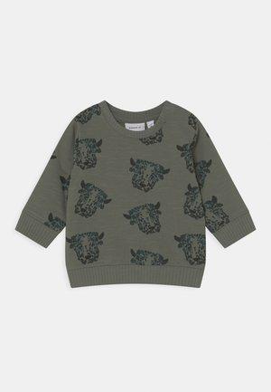 NBMREMY  - Sweatshirt - agave green