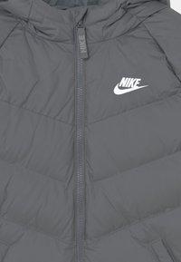 Nike Sportswear - SYNTHETIC FILL UNISEX - Winter jacket - smoke grey - 2