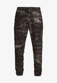 INDICODE JEANS - LAKELAND - Pantaloni cargo - grey - 4