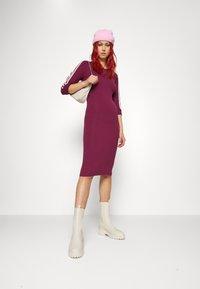 adidas Originals - STRIPES DRESS - Vestito di maglina - victory crimson - 4