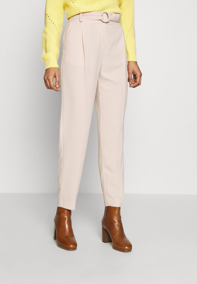 BUCKLE DETAIL TROUSER - Kalhoty - light brown