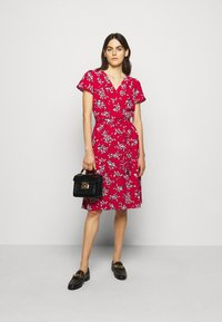 Lauren Ralph Lauren - PRINTED CREPE DRESS - Denní šaty - orient red - 1