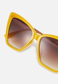 ALDO - MIRIATHIEL - Sluneční brýle - dark yellow - 3