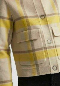 Selected Femme - KURZE - Summer jacket - sandshell - 5