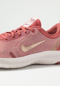 Nike Performance - FLEX EXPERIENCE RN 8 - Minimalist running shoes - light redwood/metallic red bronze/echo pink/light soft pink - 5