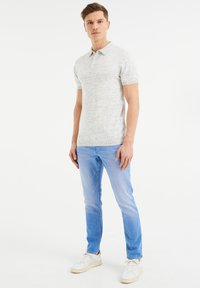 WE Fashion - COMFORT STRETCH - Slim fit jeans - blue - 1