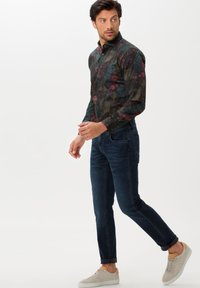 BRAX - STYLE CHUCK - Jeans Skinny Fit - night blue used - 1