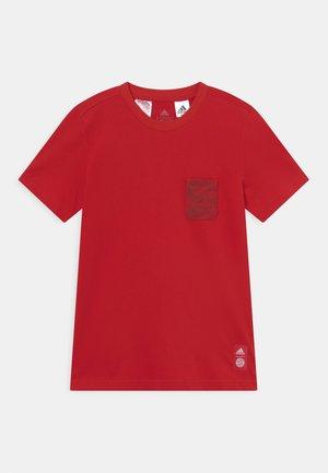 FC BAYERN MÜNCHEN TEE UNISEX - Club wear - true red