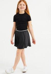 WE Fashion - MET STIPPEN EN GLITTERDETAILS - A-snit nederdel/ A-formede nederdele - all-over print - 0
