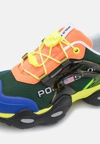 Polo Ralph Lauren - TECH TOP LACE - Sneakers basse - black/multicolor - 6