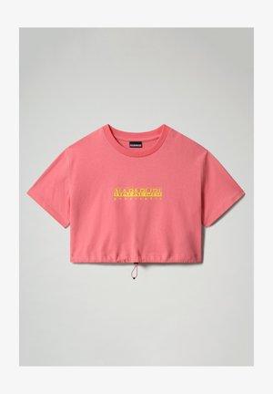 S BEATNIK - Print T-shirt - pink strawberry