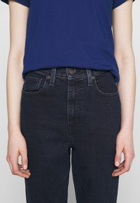 Levi's® - HIGH WAISTED TAPER - Jeansy Relaxed Fit - bruised ego - 4