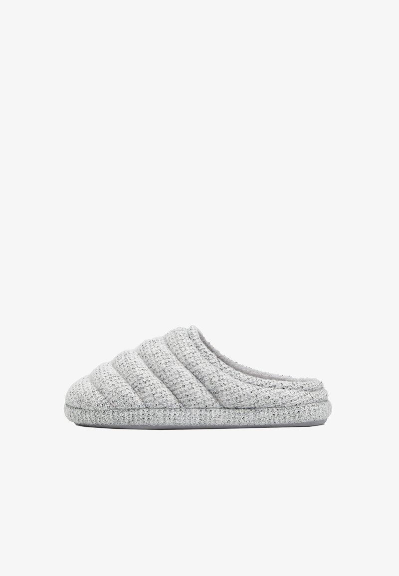 OYSHO - Slippers - grey
