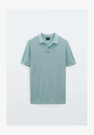 MIT POLOKRAGEN UND STRUKTURMUSTER - Polo shirt - light blue
