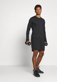 adidas Performance - RUN IT  - Pantalón corto de deporte - black/glory blue - 1