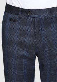 Lindbergh - CHECKED PANTS - Pantalon classique - navy - 2