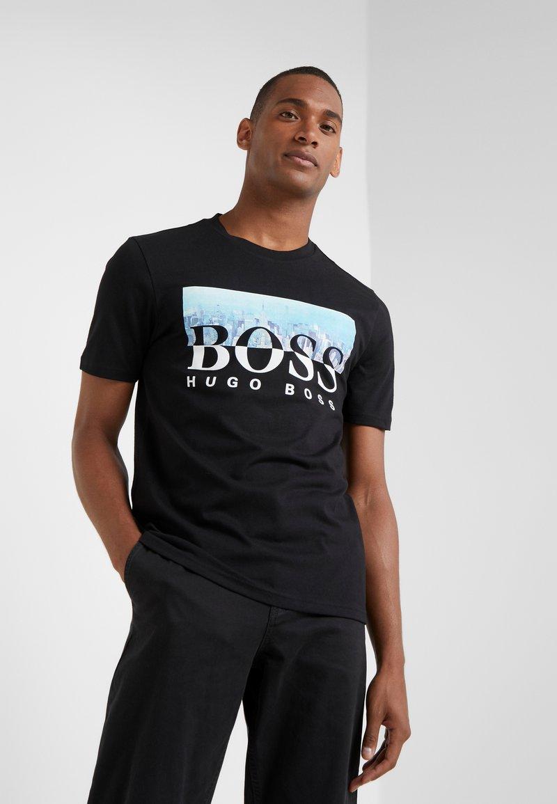 BOSS - TREK  - Print T-shirt - black