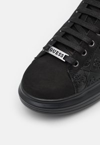 Guess - SALERNO - Trainers - black - 5