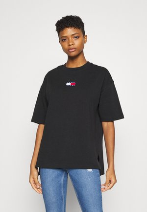 OVERSIZED BADGE SLIT TEE - Print T-shirt - black
