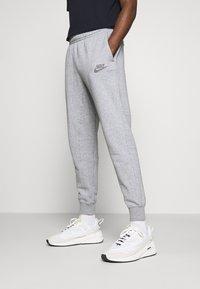 Nike Sportswear - JOGGER  - Teplákové kalhoty - multi/obsidian - 0