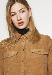 Vero Moda - VMSYLVIA - Button-down blouse - tobacco brown - 3