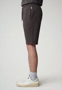 Napapijri - NALLAR - Shorts - dark grey solid - 3