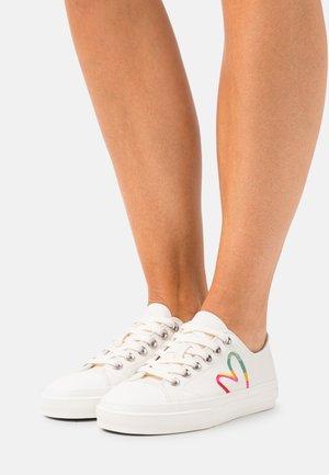 WOMENS SHOE KINSEY HEART - Sneakers laag - offwhite