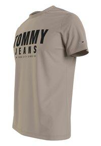 Tommy Jeans - Print T-shirt - beige - 1