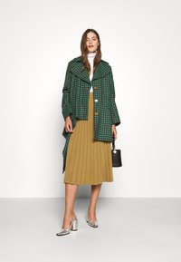 Vivienne Westwood - BLANKET COAT - Light jacket - green/plum - 1