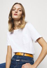 CLOSED - Basic T-shirt - white - 4