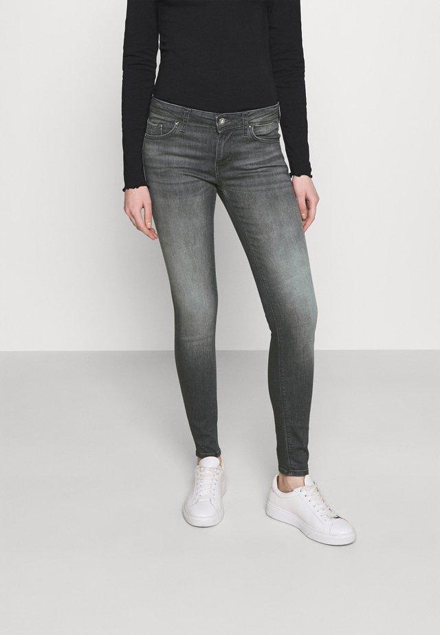 VMLYDIA - Jeans Skinny Fit - medium grey denim