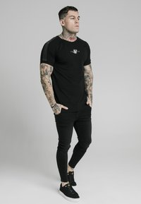 SIKSILK - T-shirt print - black - 1