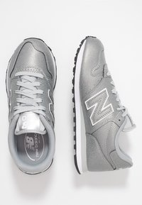 New Balance - GW500 - Sneakers - metallic silver - 3